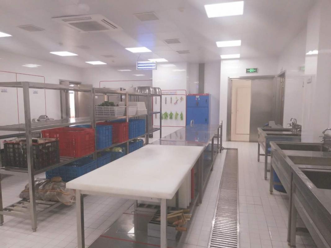 8 干净整洁的厨房.jpg